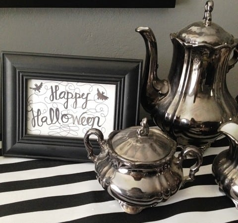 Halloween Decor + How to Make a Table Runner