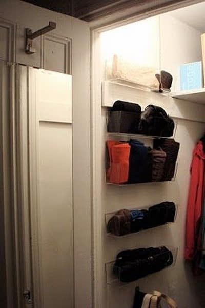 how to organize your linen closet (2)