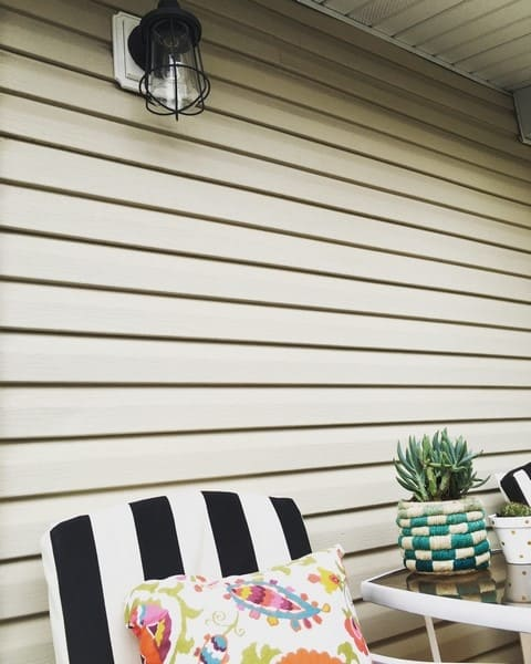 how to update your outdoor deck with lighting (6)