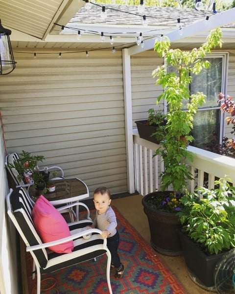 how to update your outdoor deck with lighting (8)