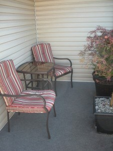how to update your old patio furniture (2)