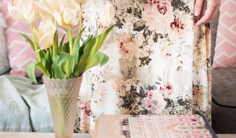 How to Decorate for Spring in 5 steps on a Budget