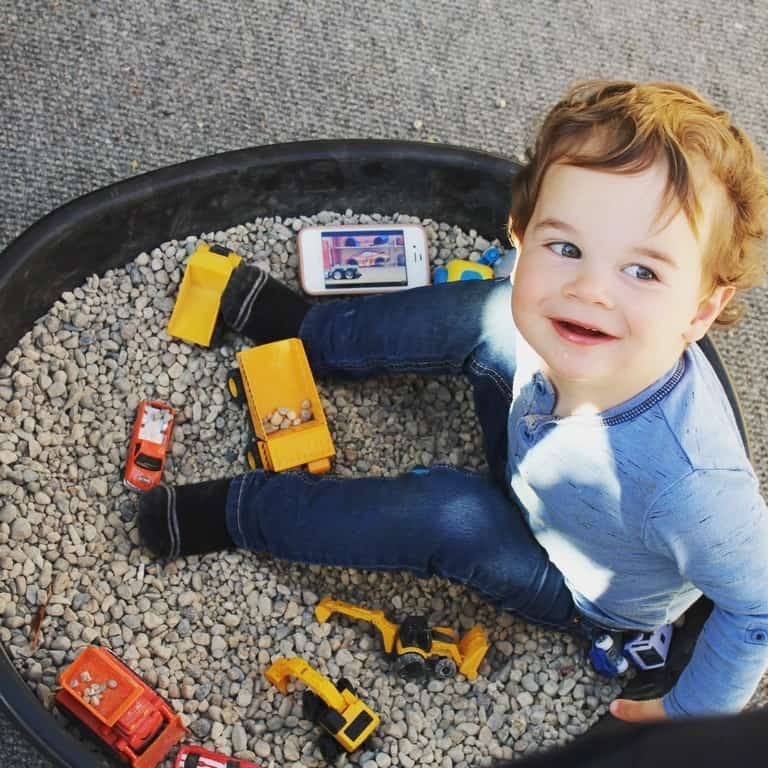 independent play toddler