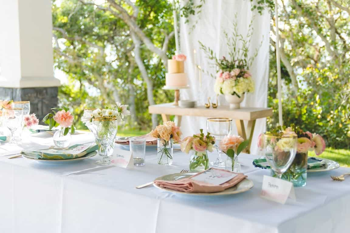 summer soiree tips on throwing a dinner party