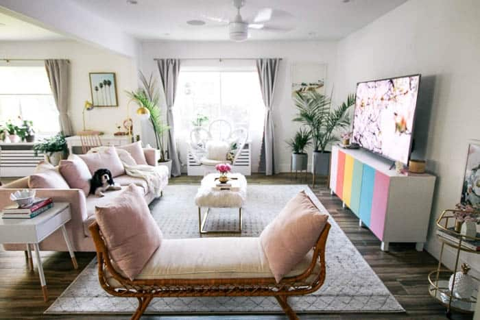 How To Mix Glam With Beach Décor At